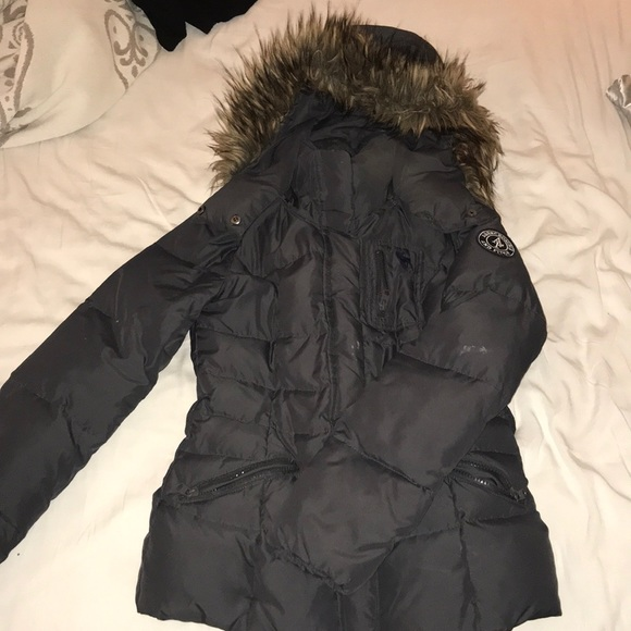 7c71bc77a ABERCROMBIE & FITCH grey puffer with faux fur hood